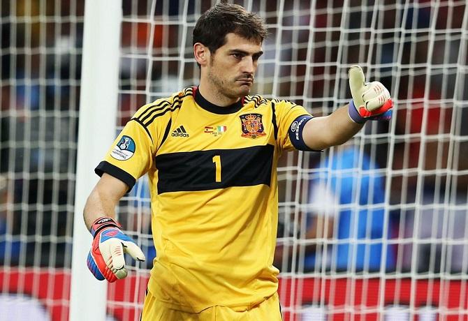 Iker Casillas anunció su retiro como futbolista profesional