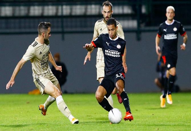 PSV, Slovan Liberec, AEK Atenas, AC Milán y Sporting Lisboa avanzaron de ronda en la Europa League