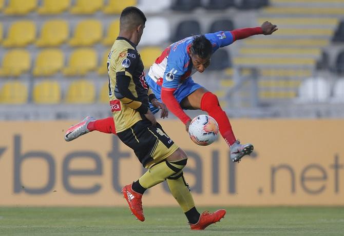 Coquimbo Unido goleó 3-0 a Estudiantes de Mérida e irá a Venezuela con cómoda ventaja