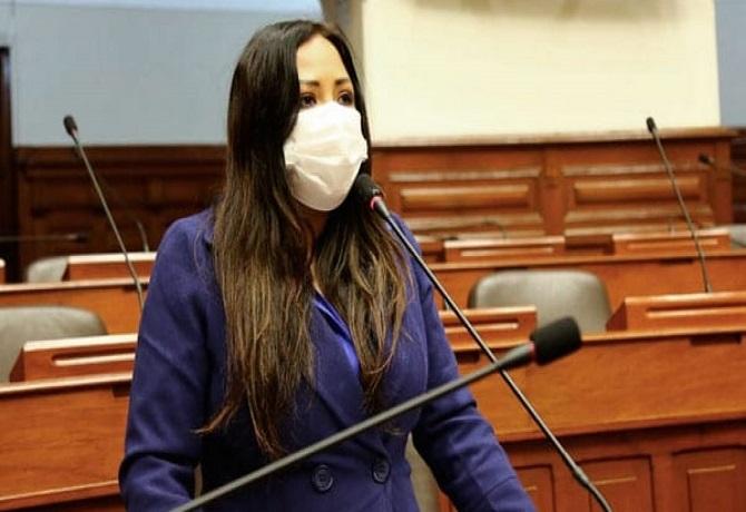 Cecilia García fue inhabilitada para conducir pero sacó otro brevete con otro DNI