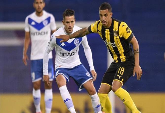 Vélez y Peñarol igualaron sin goles en Liniers