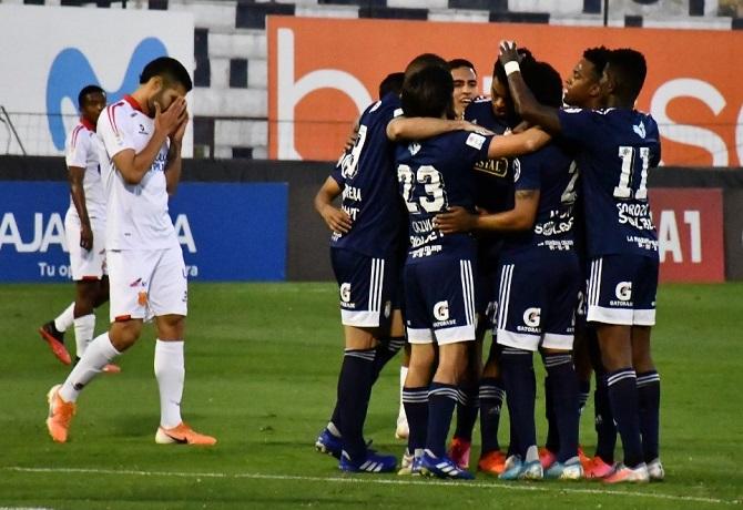 Sporting Cristal goleó 4-1 a Atlético Grau y consiguió su quinta victoria consecutiva