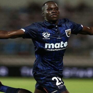 A-League: Central Coast Mariners se tumbó a Sydney FC por 0-2 y trepó a la punta