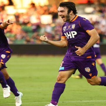 A-League: Perth Glory superó a Adelaide United por 5-3 en partidazo