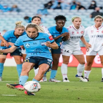 W-League: Sydney FC ganó el derbi a WSW por 2-0 y comparte la punta