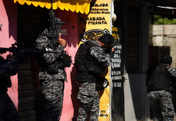 Al menos 25 muertos deja operación antidroga en Brasil