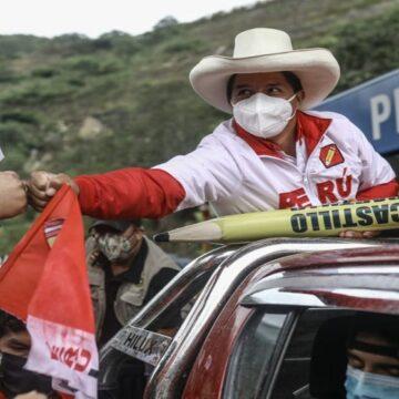 """Pedro Castillo: """"Si la bancada de Perú Libre resulta con torpezas, pido al pueblo peruano sacarla a patadas"""""""