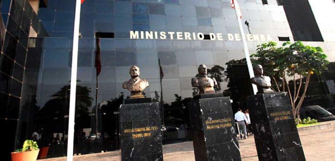 emblemas, logos, insignias y escudos de las Fuerzas Armadas no podrán ser usados in la debida autorización