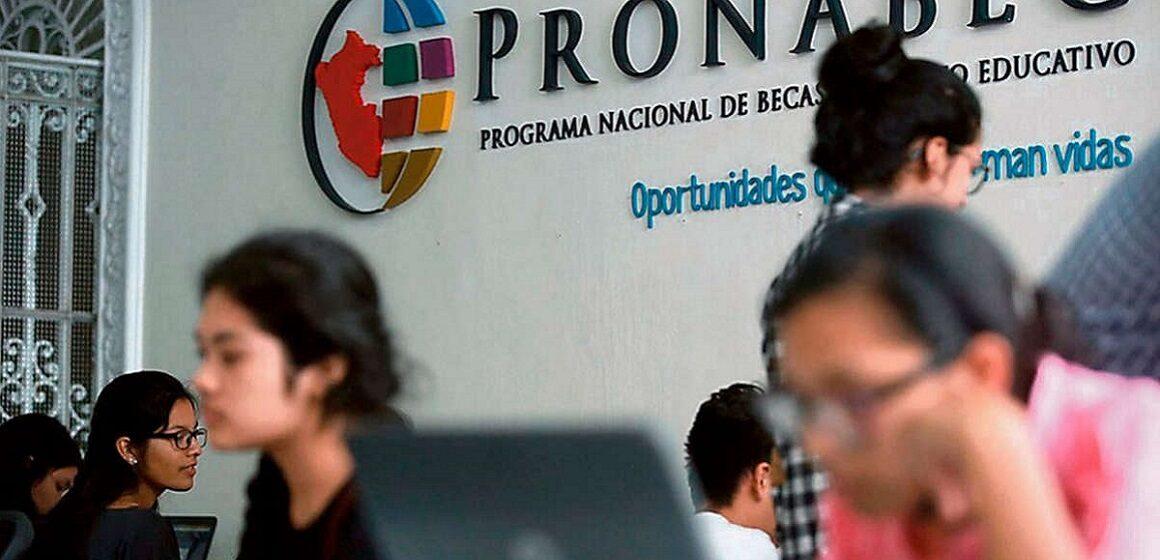 Pronabec lanza Beca Generación del Bicentenario ara realizar estudios de maestría o doctorado en universidades top del mundo