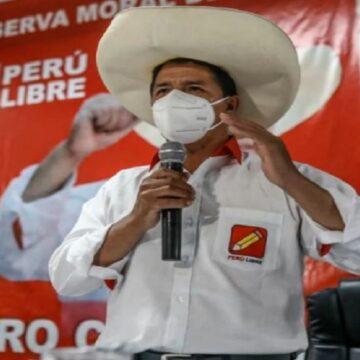 """Pedro Castillo sobre paneles anticomunistas: """"¿Por qué no colaboran para dar oxígeno?"""""""