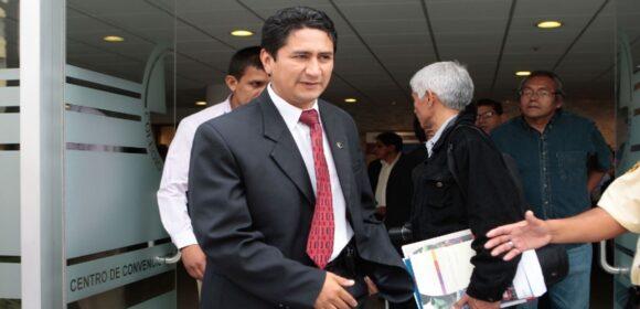 Vladimir Cerrón presentó declaraciones juradas con informaciones incompletas