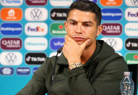 Cristiano Ronaldo haría perder casi 4 mil millones de dólares a Coca-Cola al rechazar su bebida en público