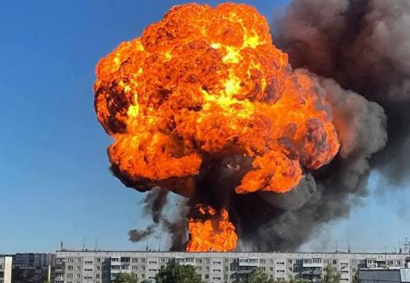 Rusia: un incendio e impactantes explosiones en gasolinera dejan 35 heridos