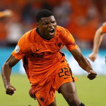 Holanda debutó en la Eurocopa venciendo ajustadamente a Ucrania por 3-2