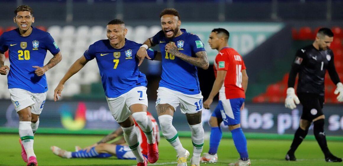 Brasil se impuso a Paraguay por 0-2 con goles de Neymar y Lucas Paquetá