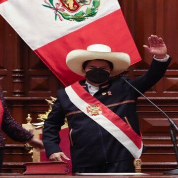 Pedro Castillo juró como nuevo Presidente de la República por una nueva constitución