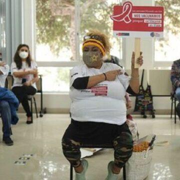 Minsa inició la aplicación de la segunda dosis a las personas viviendo con VIH en Lima y Callao