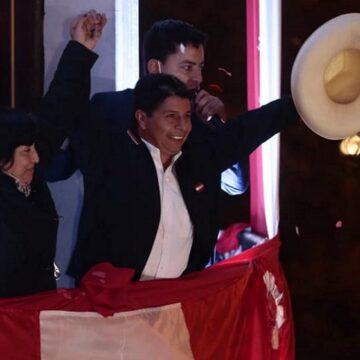 Pedro Castillo Terrones fue proclamado presidente de la república por el JNE