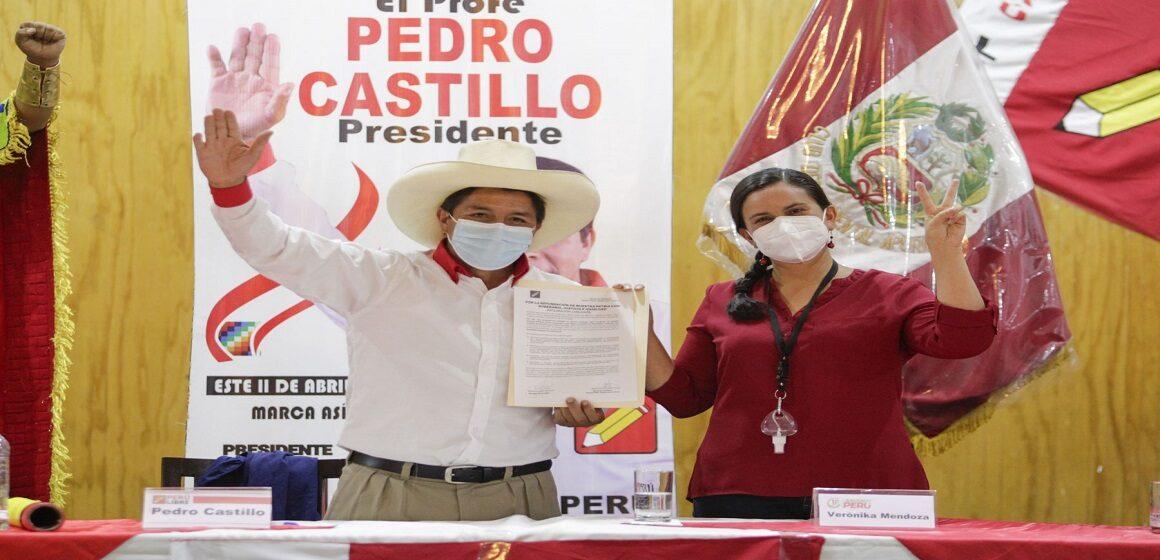 """Verónika Mendoza sobre Pedro Castillo: """"Que su gobierno sea el gobierno del pueblo, del cambio, la unidad y la paz"""""""