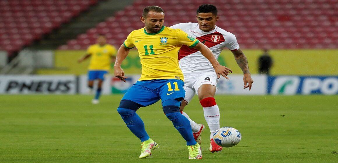 Perú no pudo ante Brasil en Recife y cayó por 2-0