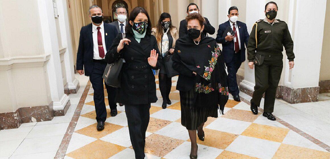 La ministra de la Mujer, Anahí Durand y presidenta del Poder Judicial, Elvia Barrios se reunieron para garantizar mejor los derechos de las mujeres
