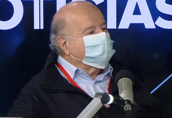 """Hernando de Soto sobre Pedro Castillo: """"hasta que no se defina, no habrá inversiones importantes en Perú"""""""