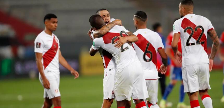 Perú venció a Chile por las Eliminatorias a Qatar 2022 con goles de Cueva y Peña