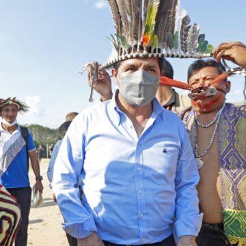 Presidente Castillo inspecciona  de la ejecución de la carretera Neshuya – Curimaná en Ucayali